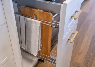 Pull-out Tea Towel Rack